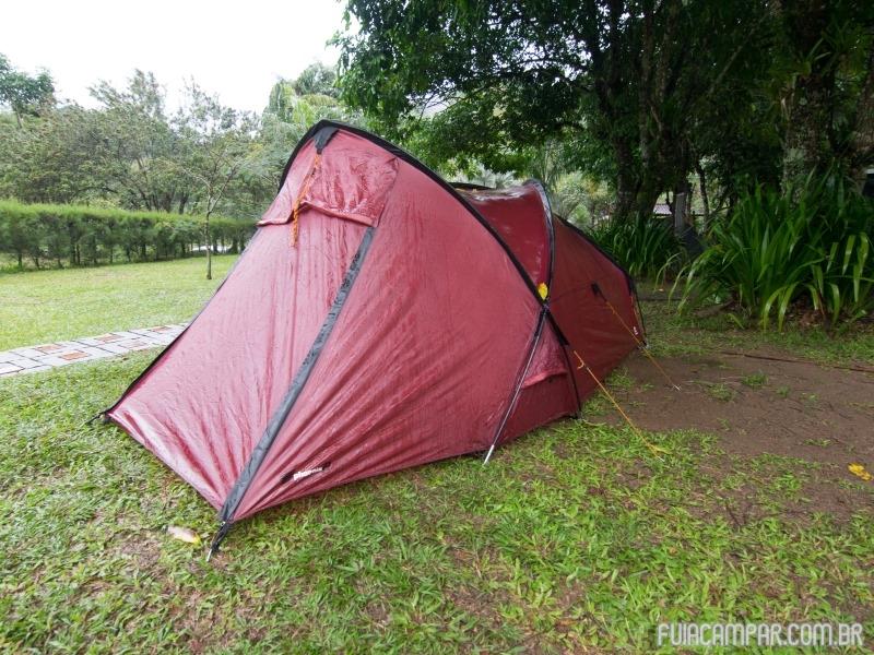 Barrava Phoenix 2, depois de uma noite de muita chuva no Camping Aldeia de Bambu