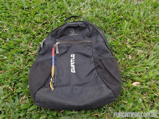 A mochila (desconsidere a fitinha do Equador)