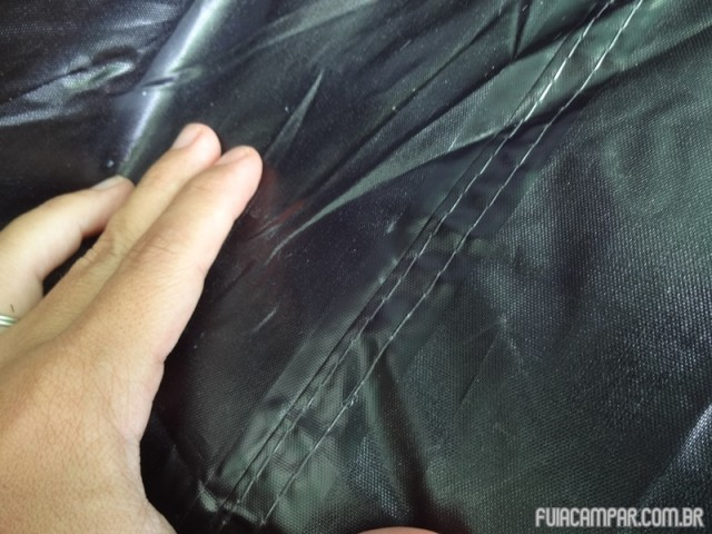 Detalha da costura selada no piso