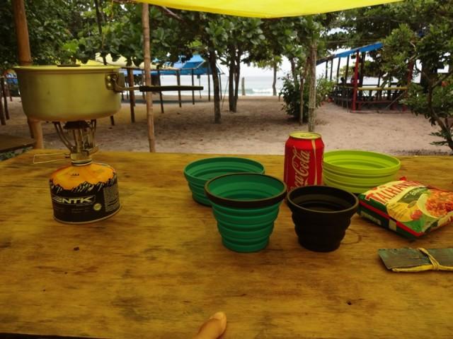 Camping do Izac - Mesa para preparo de comidas