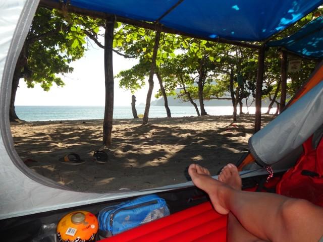 Na Praia do Sono você pode acampar de frente para o mar