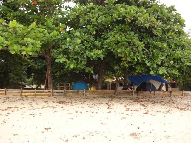 Diversas área de camping, junto à praia
