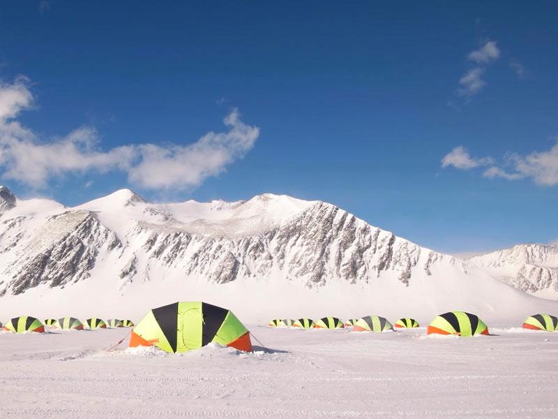 Read more about the article Já pensou em acampar na Antártica?